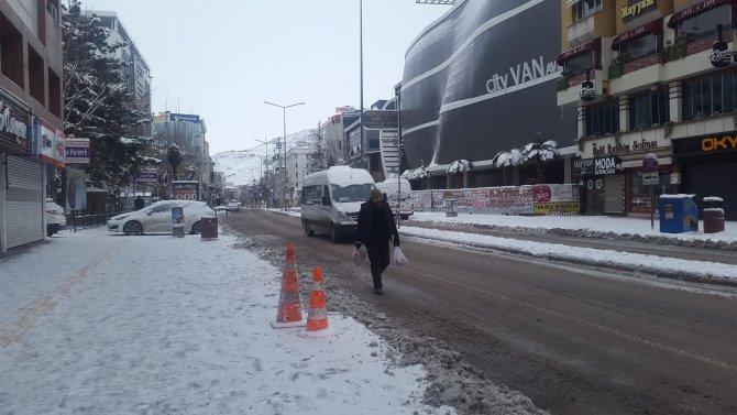 Van'da 537 mahalle ve 439 mezra yolu kapandı