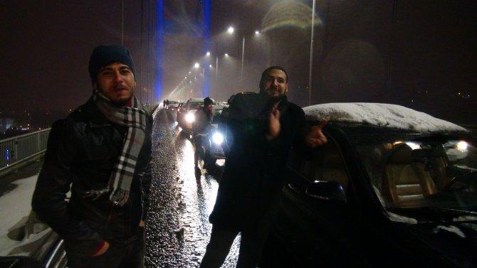 Yeni yıla Boğaziçi Köprüsü'nde girdiler