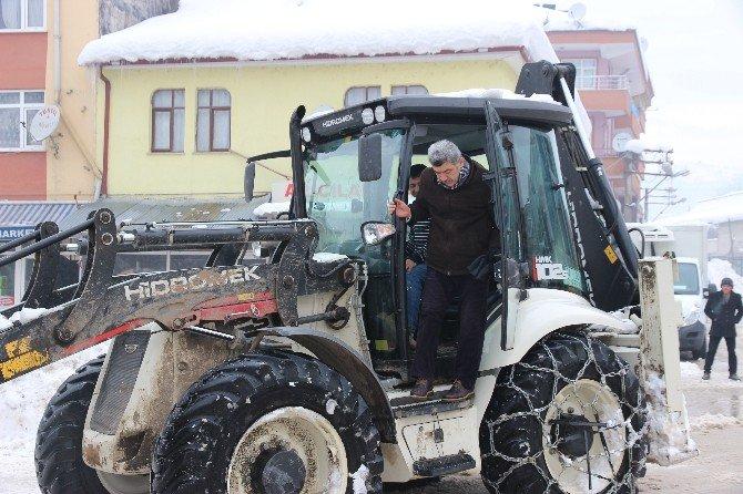 Yığılca Belediyeden Örnek Kar Çalışması
