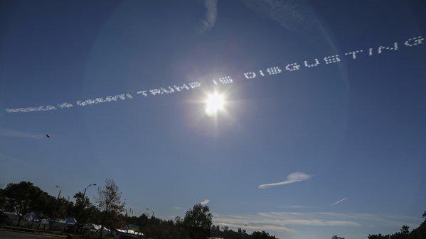 ABD'li Milyonerden, Trump'a Gökyüzünden Mesaj