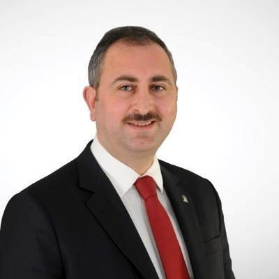 Abdülhamit Gül'den Medyaya Sert Eleştiri