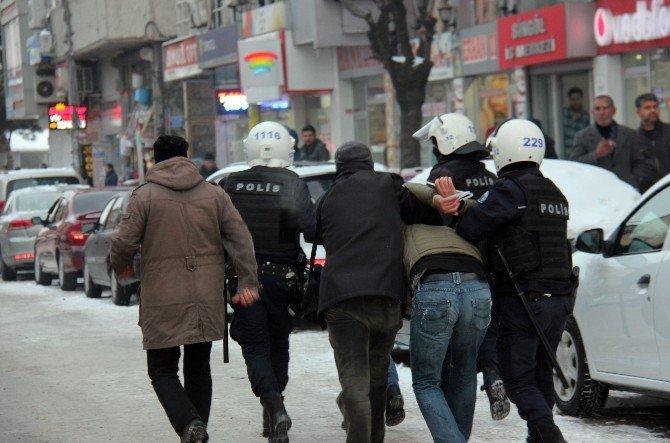 Bingöl'de İzinsiz Gösteriye Polis Müdahalesi