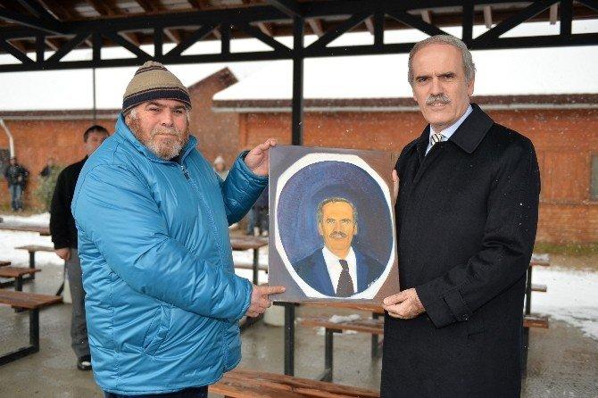 Başkan Altepe'den Kimsesizlere Moral