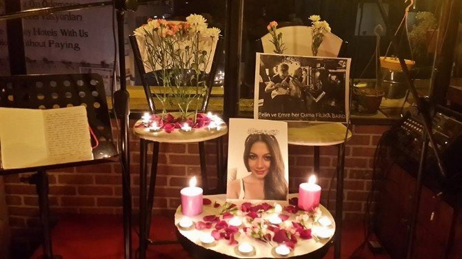 Yılbaşı Gecesi Hayatını Kaybeden Solist Sahnede Anıldı