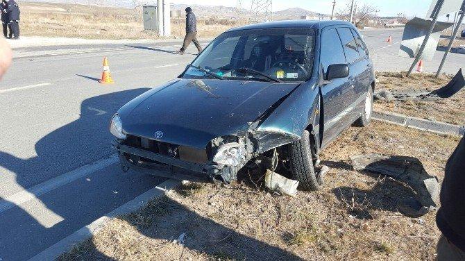 Sungurlu'da Otomobil İle Tır Çarpıştı