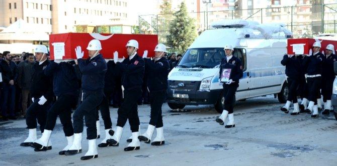 Sur'da şehit olan polis memurları, memleketlerine uğurlandı