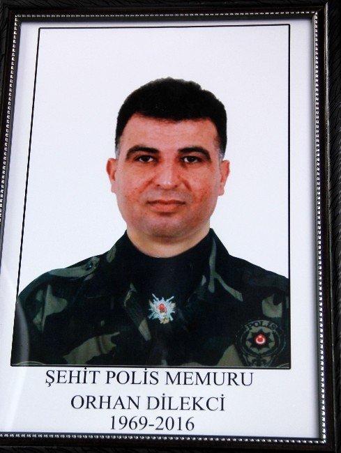 Özel Harekat Polisleri, Şehit Meslektaşlarının Cenazesini Omuzladı