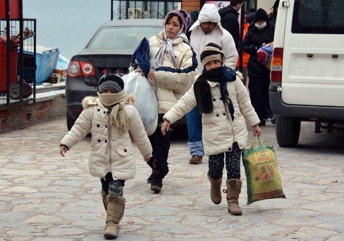 146 Mülteci Donmak Üzereyken Son Anda Kurtarıldı
