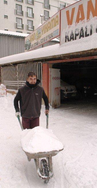 Esnafın Kar Çilesi