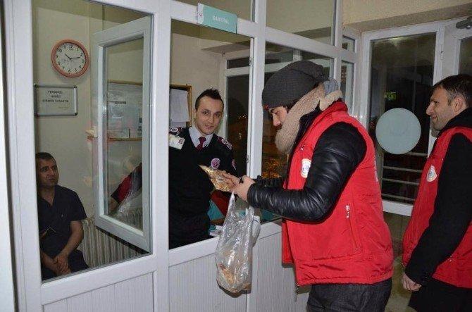 Bozüyük Belediyesi'nden Yılbaşı Mesaisi Yapanlara Sürpriz Hediye