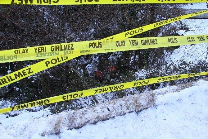 Samsun'da Otomobil Dereye Uçtu: 2 Yaralı