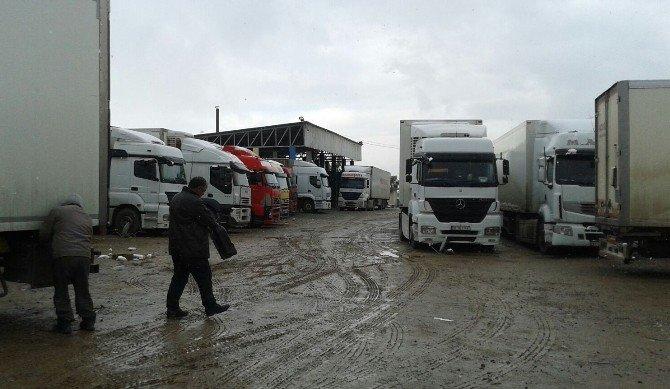 Türk Tır Şoförleri Irak'ta Mahsur Kaldı