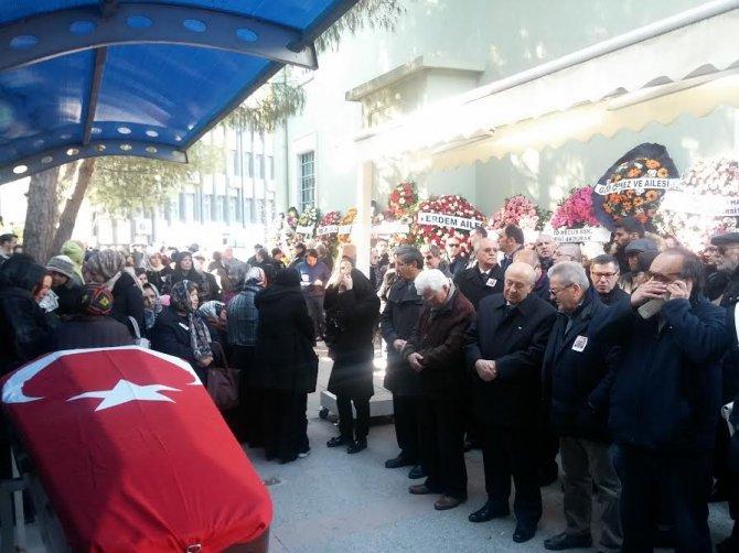 Ekrem Pakdemirli İzmir'de toprağa verildi