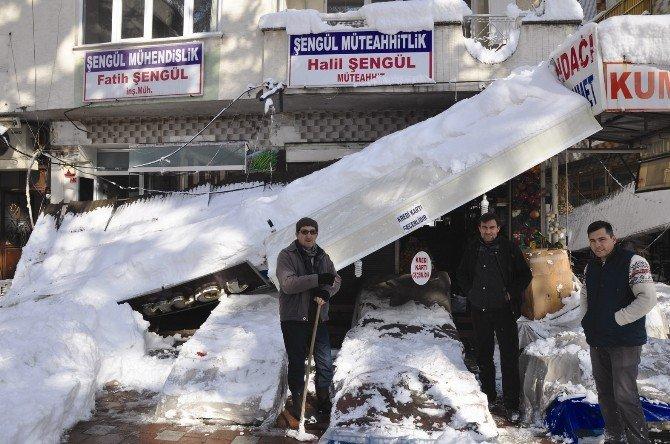 Kar Yağışı Esnafı Etkiledi