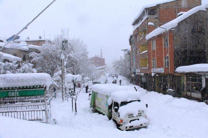 Van'da Kar Yağışı Hayatı Olumsuz Etkiliyor