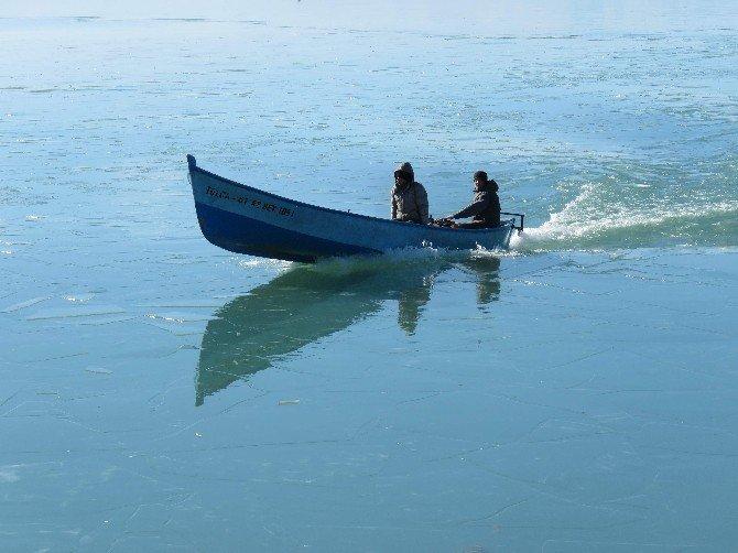 Beyşehir Gölü Kıyıları Dondu