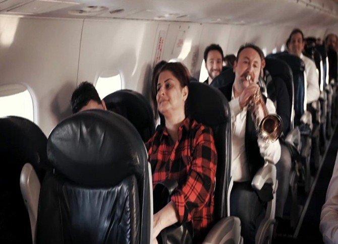 Edremit Uçuşunda Yılbaşı Sürprizi