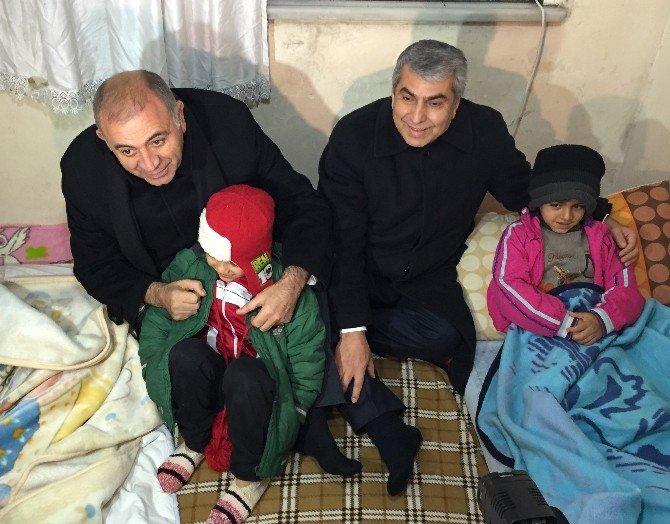 CHP'li Gürsel Tekin Suriyeli Sığınmacıları Ziyaret Etti