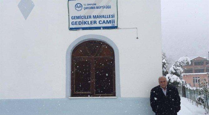 Kadir Topbaş'tan Gemiciler Camisi'ne Halı Yardımı