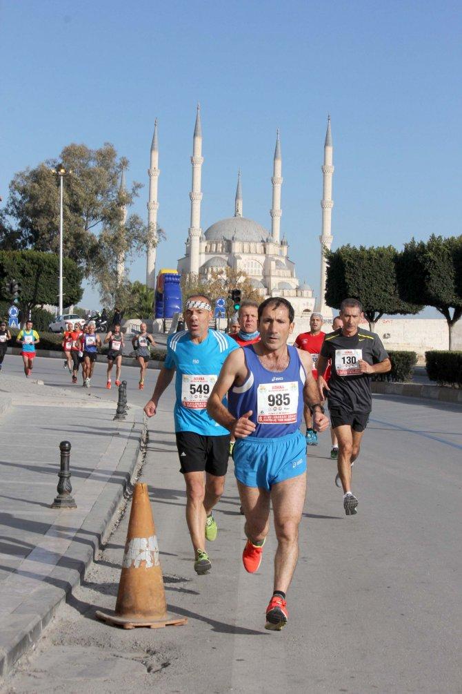 Adana'da yarı maraton ve halk koşusu coşkusu