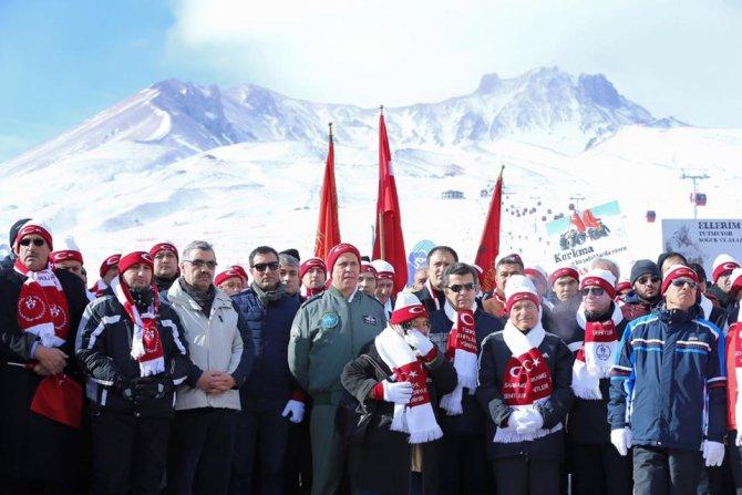 Erciyes'te Sarıkamış şehitleri için yürüdüler