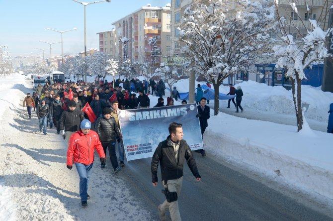 Muş'ta Sarıkamış şehitleri için yürüyüş yapıldı