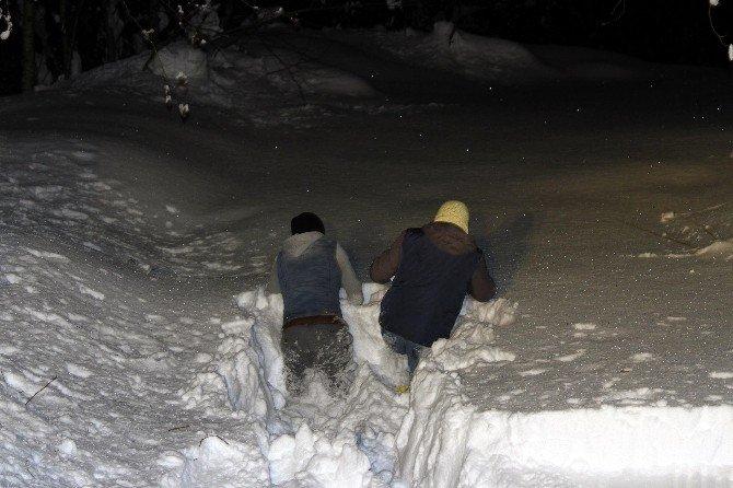 Üzerine Sıcak Su Dökülen Çocuk İçin 25 Kilometrelik Karlı Yolda 15 Saat Süren Zorlu Çalışma