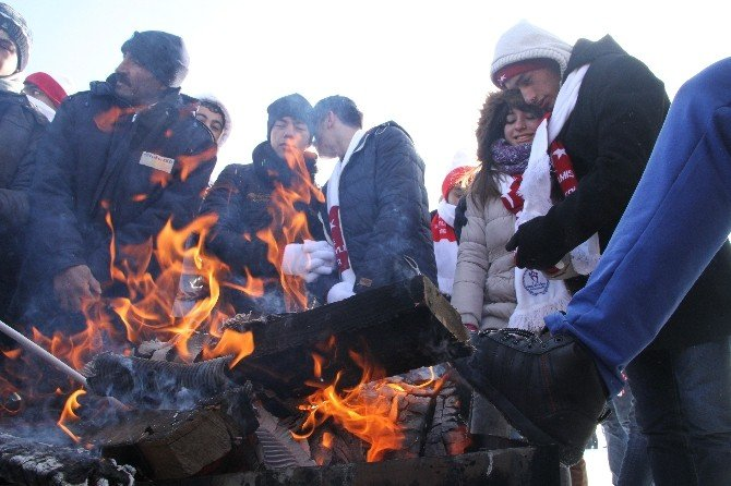Gençlik Ve Spor Bakanı Kılıç, Kars'ta Sarıkamış Şehitleri İçin Yürüdü