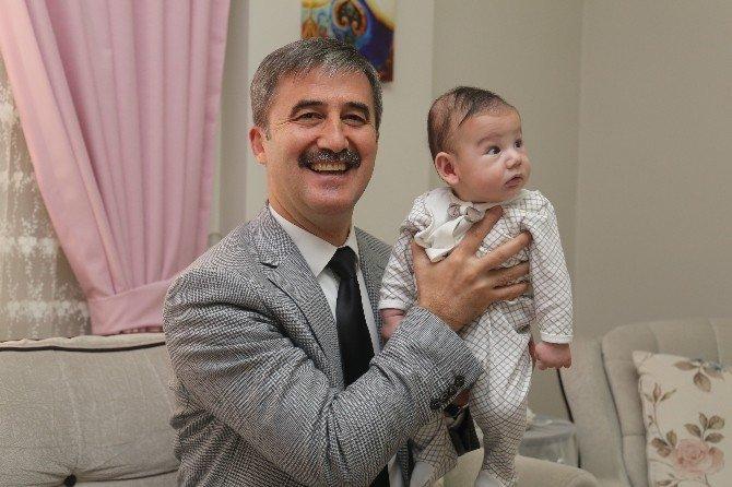 Başkan Şirin, Bebek Sevinci Yaşayan Aileleri Ziyaret Etti