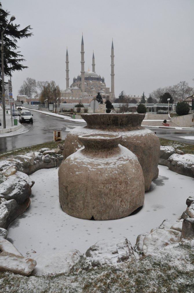 Trakya'ya yılın ilk karı yağdı