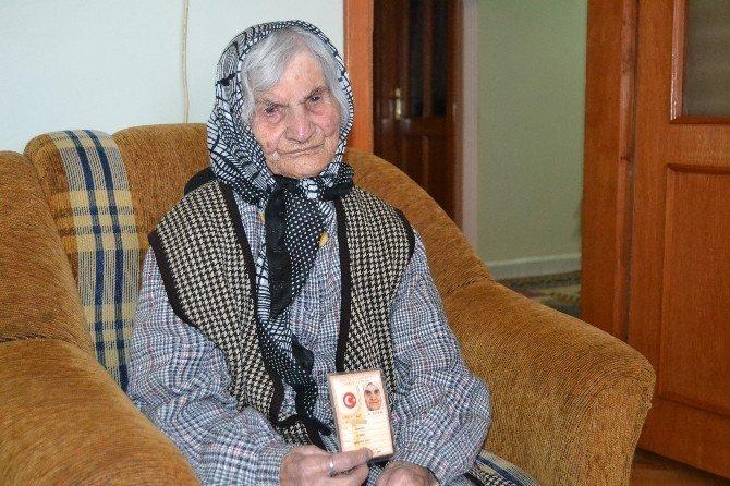 Sünbül Nine, 120 Yıllık Yaşamının Sırrını Süte Borçlu