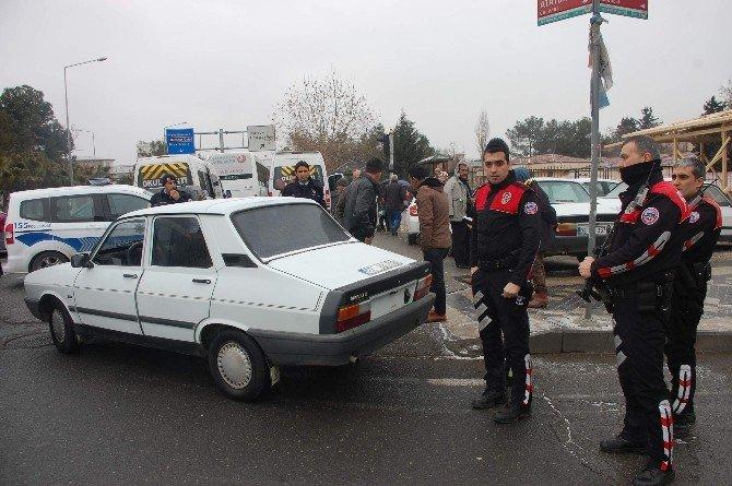 Plakasız Otomobil Polisleri Harekete Geçirdi