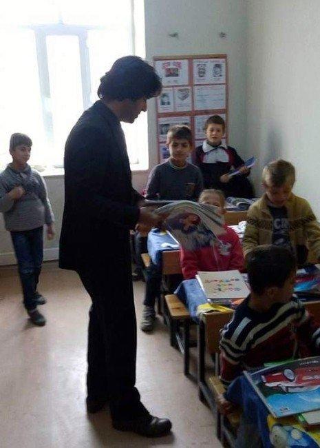 Rehnuma Derneğinden Yelkovan İlkokuluna Kırtasiye Yardımı