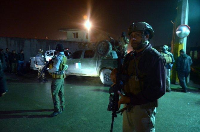 Afganistan'da yabacılar kampına intihar saldırısı: bir ölü, 22 yaralı