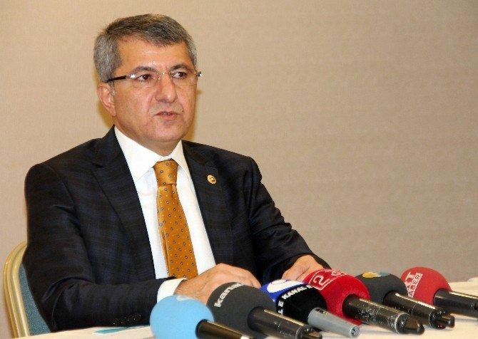 """AK Parti'li Serdar: """"Terör Örgütü İşsizler İle Çocukları Kullanıyor"""""""