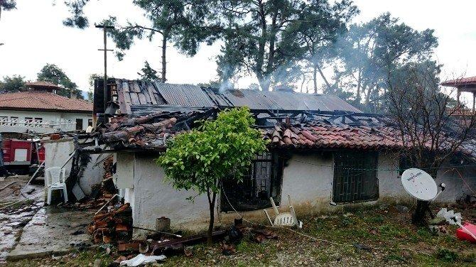 Akyaka'da Ev Yangını