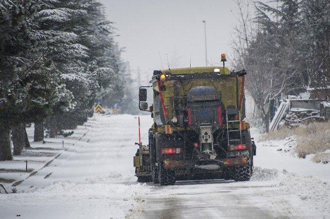Büyükşehir'den Buzlanmaya Karşı Anında Müdahale