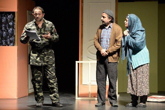 Anadolu'dan Büyük Şehirlere Göç Tiyatro Sahnesinde