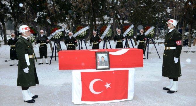Diyarbakır'da Şehit Uzman Çavuş Karabacaklı için tören
