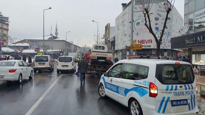 İstanbul Caddesinde Park Yasağı Uygulaması