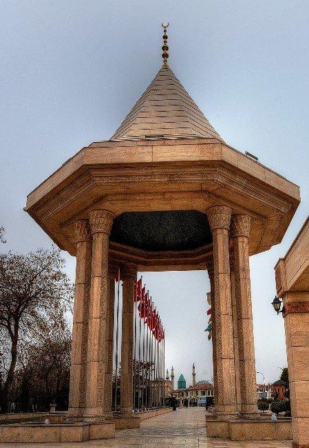 İstiklal Harbi Şehitleri Abidesi'ne İlgi Artıyor