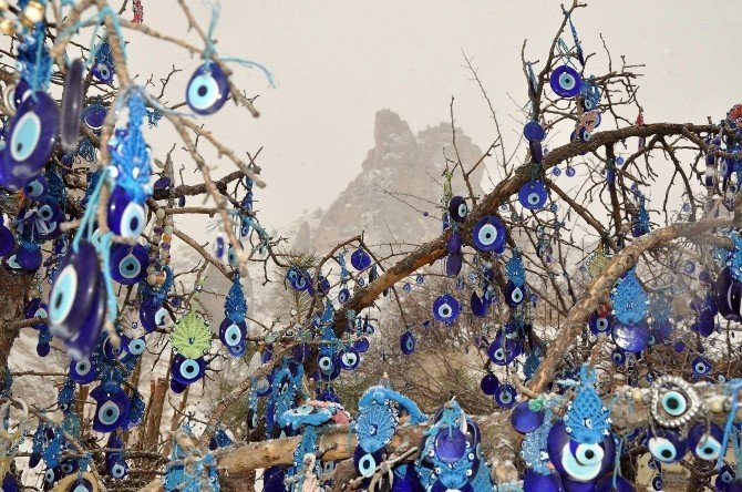 Kapadokya'da Kar Yağışı Etkili Oluyor