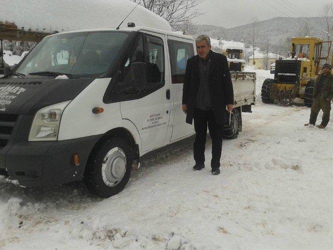 Kastamonu'da Kapalı Olan Köy Yolu Cenaze İçin Açıldı
