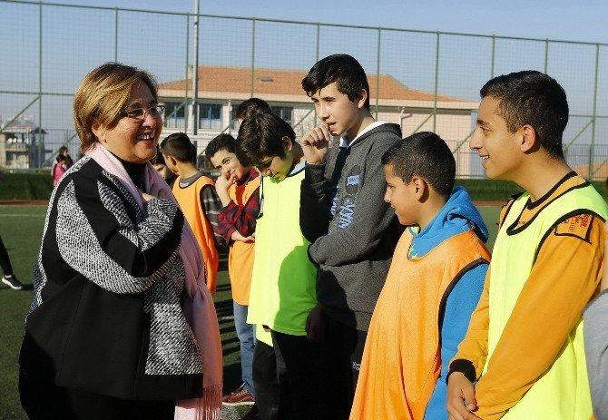 Genç Sporculara Başkan Pekdaş Dopingi