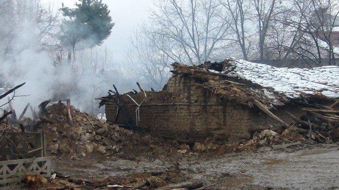 Simav'da Yangın: 1 Ölü