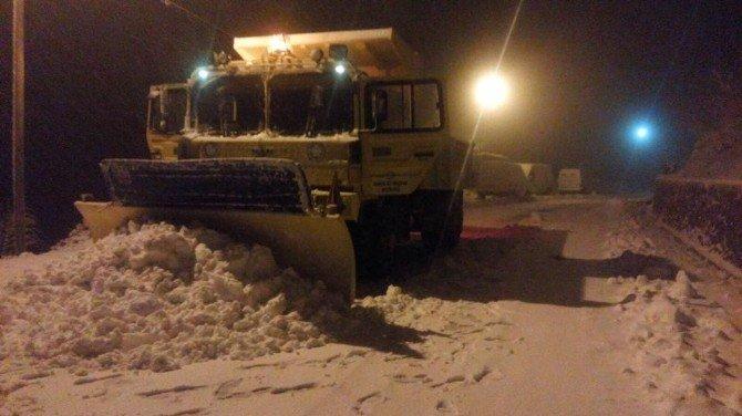 Demirci'de Yoğun Kar Yağışı