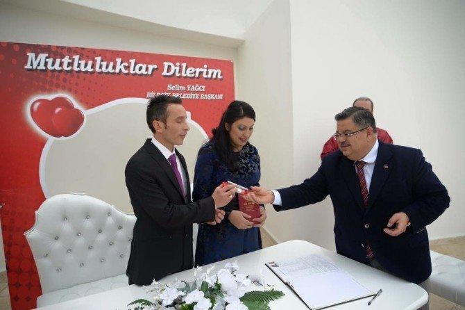 Başkanı Yağcı, 2016 Yılının İlk Nikah Töreninde