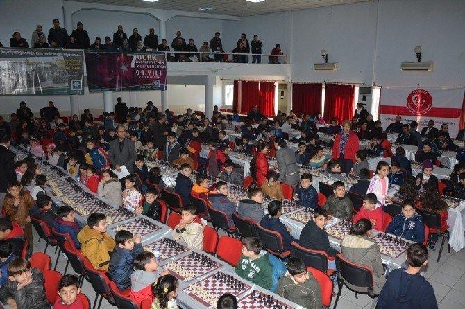 Osmaniye'de Kurtuluş Kupası Satranç Turnuvası Tamamlandı
