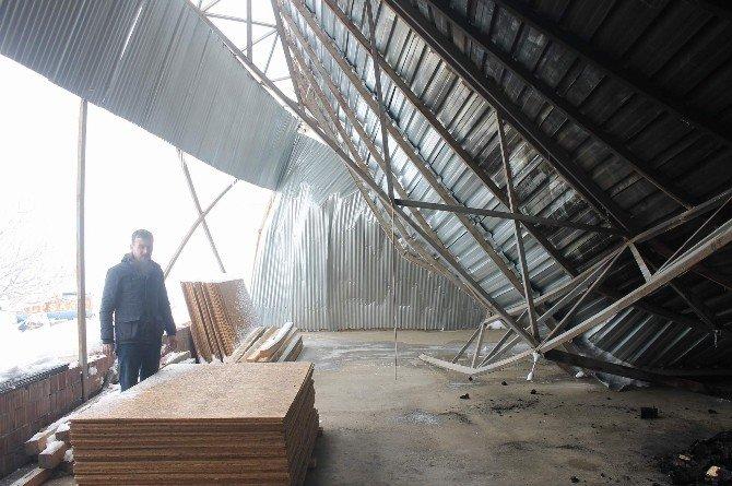 Siirt'te Çatısı Çöken Esnaf Mağdur Oldu