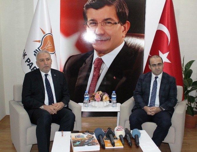 Dışişleri Komisyonu Başkanı Taha Özhan'dan Yeni Anayasa Açıklaması: